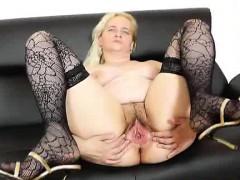 mature-woman-ela-elena-going-to-be-pervy-on-the-sofa