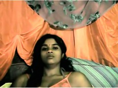 hot-and-horny-indian-babe-strips-and-plays-with-her