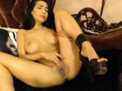 Sexy Idelsy Loves to Fingers her Tight Pussy