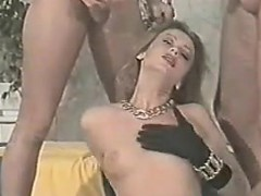 sexy-slut-loves-to-suck-and-fuck-classic