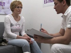 mature-czech-woman-squirting-with-estrogenolit