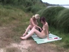 swinger-couples-enjoying-being-naked