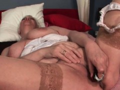 Mature Chesty Blonde Hoe Dildoing Slick Pussy