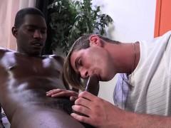 kyle-jacobs-seduces-his-black-client
