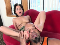 mia-austin-receives-a-foot-worshipping-and-pussy-pounding