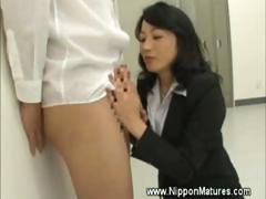 mautre-milf-teacher-asian-gives-head