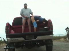 redneck-sex-in-a-pickup-truck