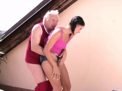 cheating-girlfriend-sucks-and-riding-old-cock