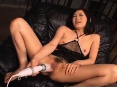 yui-komine-gets-cum-in-mouth