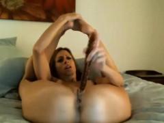 horny-milf-masturbates