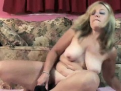 mature-slut-liisa-is-fucking-her-plump-pussy-with-a-toy