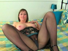british-milf-penny-gets-worked-up-in-nylon-tights