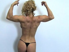 sexy-cougar-yvonne-works-out
