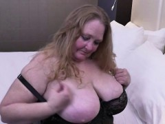 fully shaved fat mature lady toying her muffin