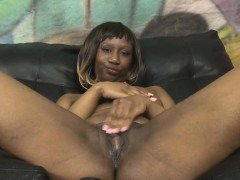 short-haired-black-ghetto-slut-getting-her-face-wrecked