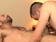 Muscle Dilf Pleasured By Young Twink