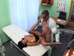 bigtit-patient-squirting-for-her-doctor