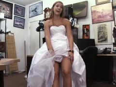 shamless-blonde-bride-sucking-dick-in-pawn-shop-office