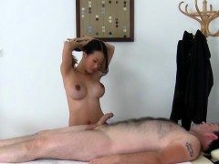 asian-masseuse-pussykat-services-her-employer