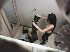 spying-many-amatuer-cuties-in-fitting-room