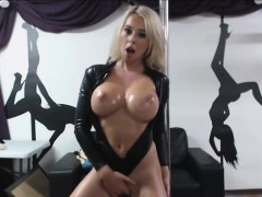 lap-dancing-toying-and-oiled-sexy-body