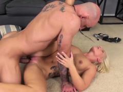 wild-blonde-cali-spreads-her-legs-for-a-hard-dick-and-a-rough-fucking