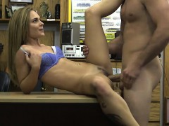 amateur-blonde-babe-with-glasses-fucked-by-pawn-guy