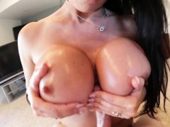 cougar-hooters-fuck-cum