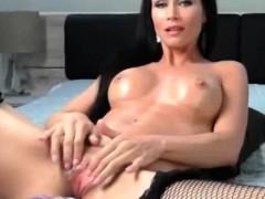 mature-milf-masturbation-with-machine-dildo