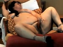bbw-utilizing-her-gold-that-is-fresh-feel-she-gets-soaking