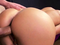 Banged booty babe toying