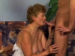 alana from kinkyandlonelycom – german granny