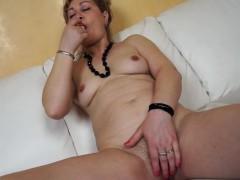 lilli-naughty-mature-mom-home-alone