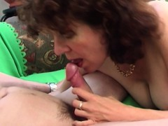 brunette-hairy-pussy-mature-couch-fucked-young-cock
