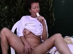 mature-alone-26-angelena