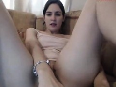 beautiful-brunette-fucks-her-red-asshole-on-cam