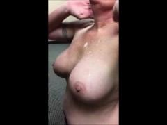 55-year-old-amateur-obviously-loves-cum
