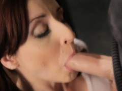 Attractive Alexia Gives A Great Blowjob