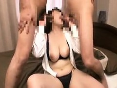 Voluptuous Japanese cougar puts her mouth to work on two lo
