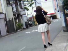 Japanese Ho Pees On Feet