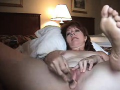 yummy-mature-wife-anal-masturbatin-ramona-from-1fuckdatecom