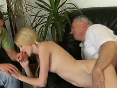 Young Pussy Of A Teen Girl Slammed By Old Experienced Weenie