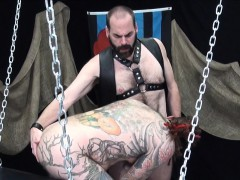 beard-inked-bear-assfucked-raw-in-threeway