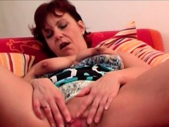 redhead-linda-fingering-her-granny-pussy