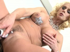 posh-mature-lady-and-wife-with-per-breana