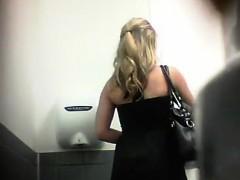 hidden-toilet-spycam