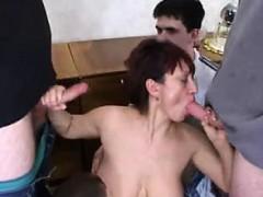 mother-surprises-claribel