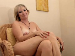 realy-sexy-mature-stefanie