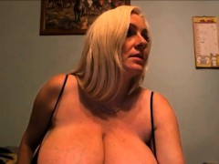 very-hot-34k-cleavage-exposed-webcam-hd-from-sexcams19-com