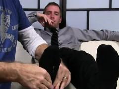 twink-gay-feet-tub-xxx-scott-has-a-new-foot-slave